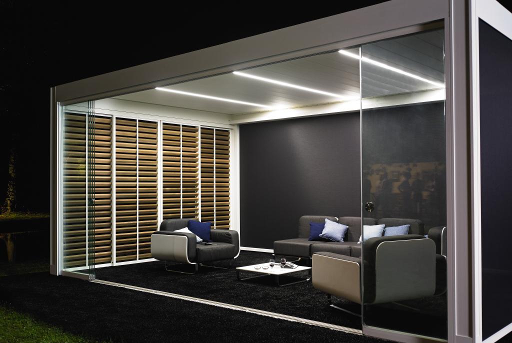 syst me de vitrages coulissants pour pergola bioclimatique perspective v randa. Black Bedroom Furniture Sets. Home Design Ideas