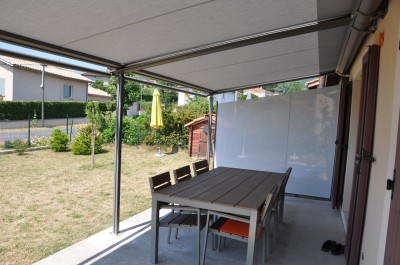store lat ral pare vent et pare soleil perspective v randa. Black Bedroom Furniture Sets. Home Design Ideas